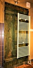 Věšáková stěna, svlakové dveře, Český Krumlov, Soukenická 40