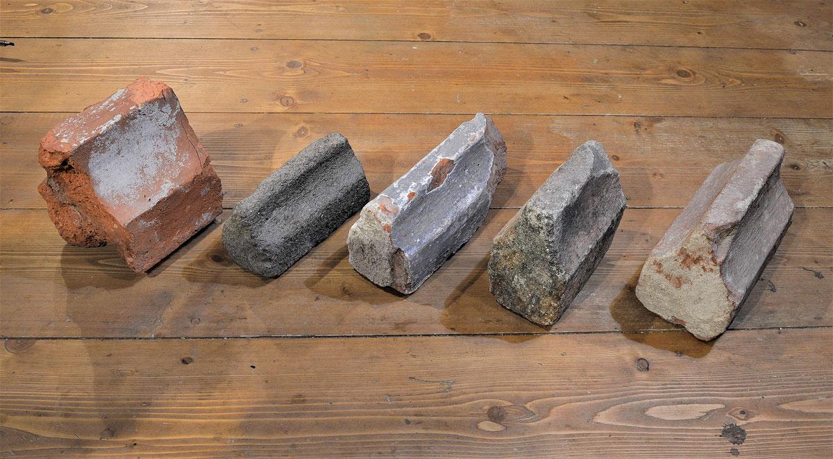 Klenební gotická žebra, cihla,kamen