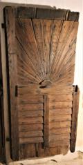 Klasicistní dvouvrstvé dveře s dekorativním motivem pulslunce CK, Ples