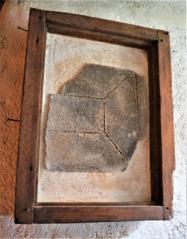 Omítka sgrafitového pole, ČK, Latrán 27, 1558