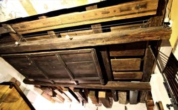 Typologie fragmentů stropních konstrukcí od středověku do 18. století