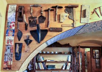 Řemeslné nástroje zedníků