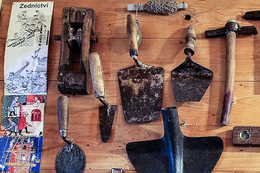 Řemeslné nástroje zedníků, tesařů, kovářů, truhlářů, Muzeonck - Muzeum Český Krumlov